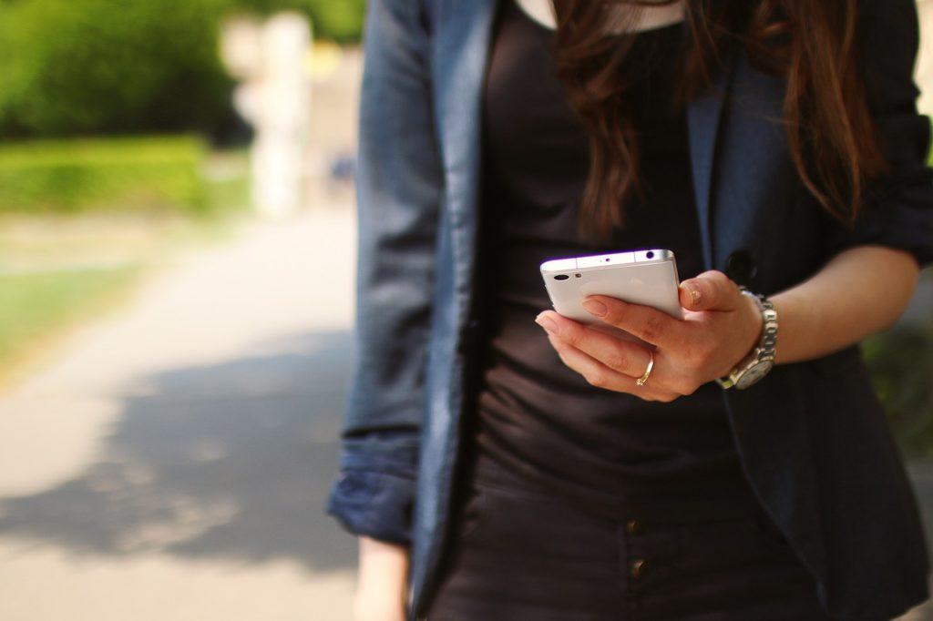 Теперь ОСАГО достаточно предъявить на планшете или смартфоне